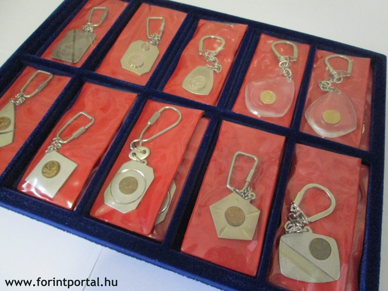 http://www.forintportal.hu/hirek/mini-1-forintos-kulcstartok/mini-1-forintos-kulcstartok-apv-allami-penzvero-regi-kulcstarto-1ft_05.jpg