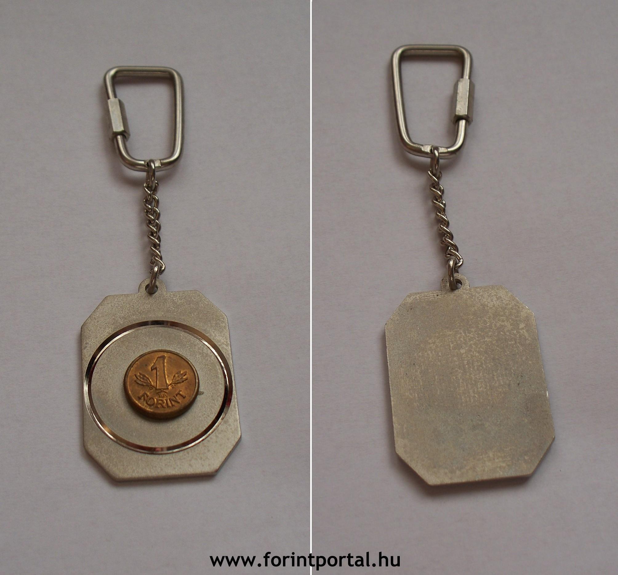 http://www.forintportal.hu/hirek/mini-1-forintos-kulcstartok/mini-1-forintos-kulcstartok-apv-allami-penzvero-vorosrez-1ft.jpg